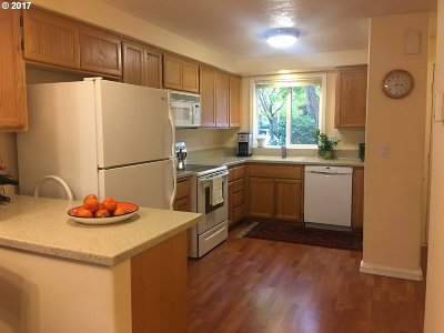 Eugene Condo/Townhouse For Sale: 1590 Fetters Loop