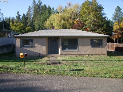 Canyonville Single Family Home For Sale: 470 NW Harrison St