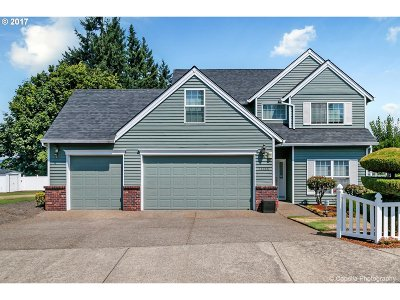 Tigard Single Family Home For Sale: 14455 SW Mistletoe Dr