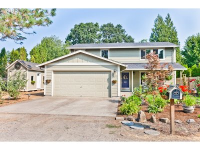 Beaverton Single Family Home For Sale: 18845 SW Mobile Ln