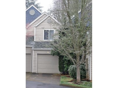 Lake Oswego Condo/Townhouse For Sale: 5225 Jean Rd #507