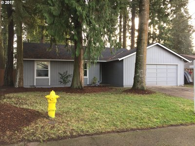 Hillsboro Single Family Home For Sale: 4182 SE Maple St