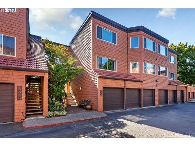 Lake Oswego Condo/Townhouse For Sale: 40 Oswego Smt