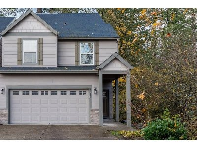 Clackamas Single Family Home For Sale: 13640 SE Madena Way