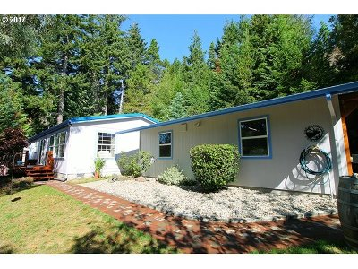 North Bend Single Family Home For Sale: 64730 Beaver Loop Rd