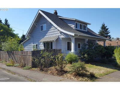 Single Family Home For Sale: 6916 SE Reedway St