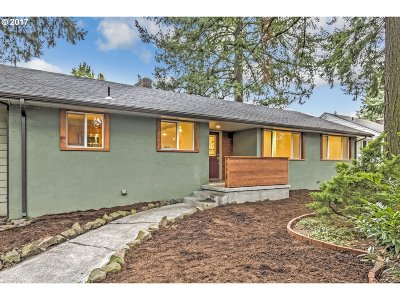 Portland Single Family Home For Sale: 10870 SW Butner Rd