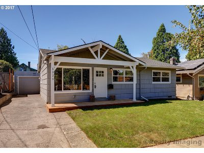 Portland Single Family Home For Sale: 5325 NE 18th Ave