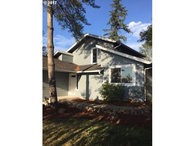 Springfield Single Family Home For Sale: 405 S 72nd St