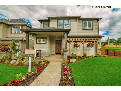 Beaverton Single Family Home For Sale: 17435 SW Forest Hollow St