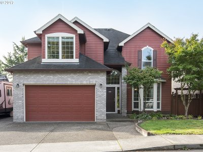 Milwaukie, Gladstone Single Family Home For Sale: 14633 SE Brightwood Ave