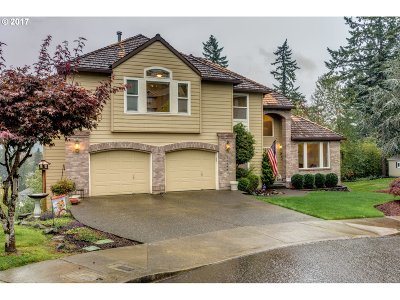 Clackamas Single Family Home For Sale: 14498 SE Summit Ct