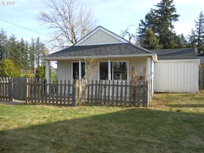 Portland Single Family Home For Sale: 1612 SE 182nd Ave