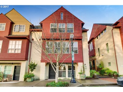 Lake Oswego Condo/Townhouse For Sale: 520 2nd St