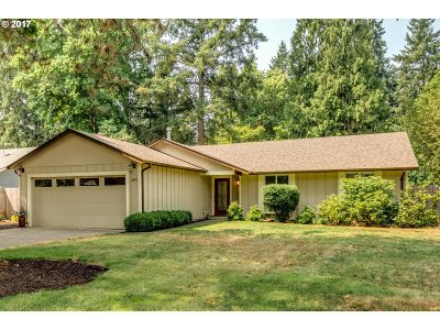 Lake Oswego Single Family Home For Sale: 18971 Indian Springs Cir