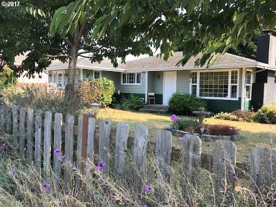 Brookings Single Family Home For Sale: 407 Maple St