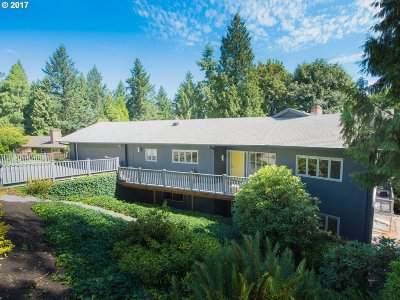 Portland Single Family Home For Sale: 2288 SW Humphrey Park Rd
