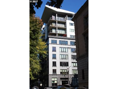 Multnomah County Condo/Townhouse For Sale: 300 NW 8th Ave #1002