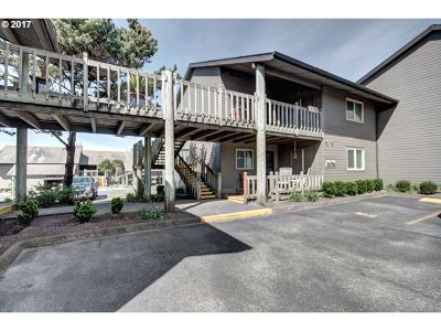 Cannon Beach Condo/Townhouse For Sale: 101 Breakers Point Condo #101