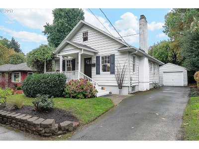 Portland Single Family Home For Sale: 4125 SE 34th Ave