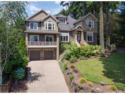 West Linn Single Family Home For Sale: 2135 Fircrest Dr