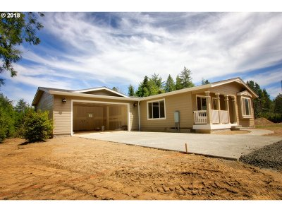Bandon Single Family Home For Sale: 87953 Daisy Ln