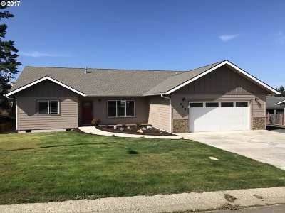 Coos Bay Single Family Home For Sale: 868 Sanford
