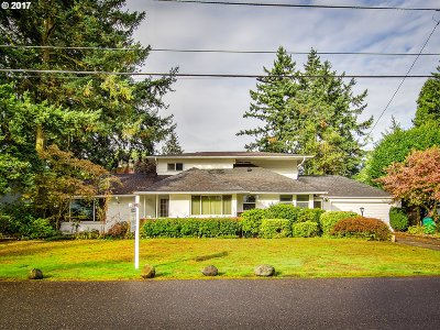 Portland Single Family Home For Sale: 1801 NE 106th Ave