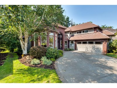 Milwaukie, Gladstone Single Family Home For Sale: 14489 SE Creekside Dr
