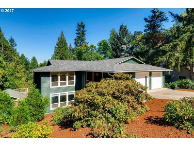 West Linn Single Family Home For Sale: 3111 Cottonwood Ct