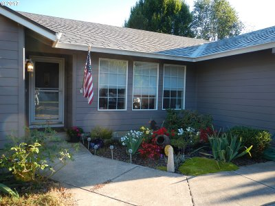 Oregon City Single Family Home For Sale: 15822 Swan Ave