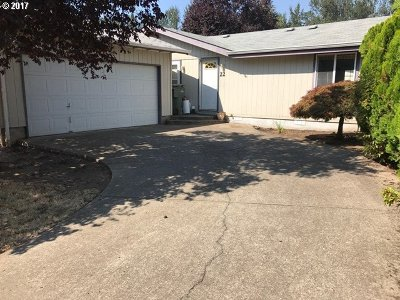 Eugene Single Family Home For Sale: 2350 N Terry St #22