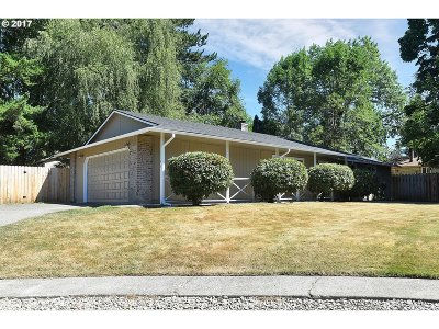 Gresham Single Family Home Bumpable Buyer: 1146 NE La Mesa Ln