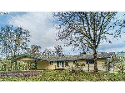 Roseburg Single Family Home For Sale: 996 Whistlers Ln