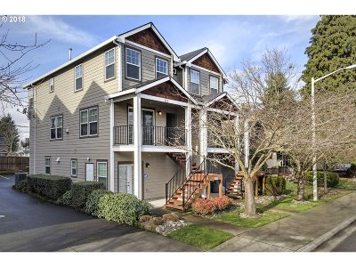 Hillsboro Single Family Home For Sale: 117 NW Bailey Ave