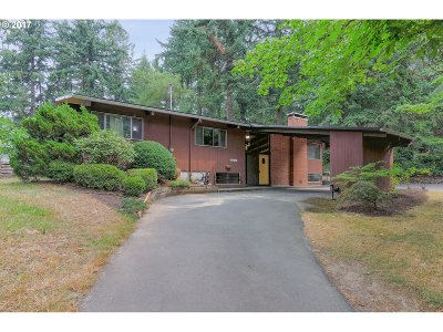 Portland Single Family Home For Sale: 8526 SW 45th Ave