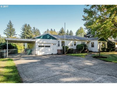 Portland Single Family Home For Sale: 3836 SE 114th Ave