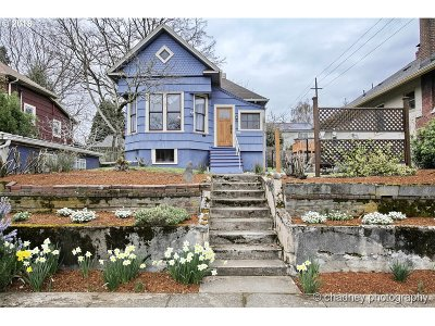 Single Family Home Sold: 5245 NE Everett St