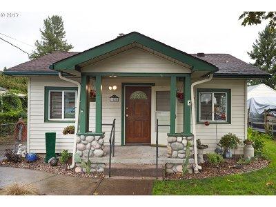 Portland Single Family Home For Sale: 5805 SE Lambert St
