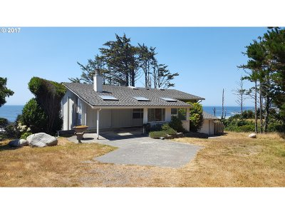 Gold Beach OR Single Family Home For Sale: $468,500