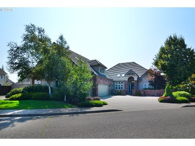 Eugene Single Family Home For Sale: 2960 Sarah Ln