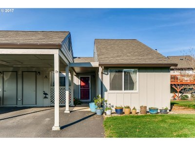 Skamania County, Clark County Condo/Townhouse For Sale: 1112 NW 133rd St #A