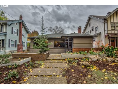 Single Family Home For Sale: 3936 NE Couch St