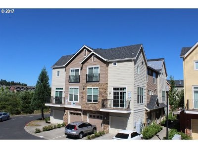 Hillsboro Condo/Townhouse For Sale: 108 NW Canvasback Way #203