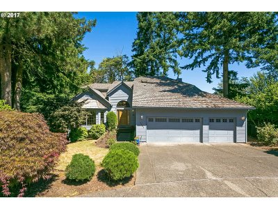 West Linn Single Family Home For Sale: 1390 Skye Ct