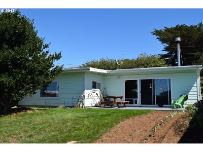 Gold Beach OR Single Family Home For Sale: $175,000