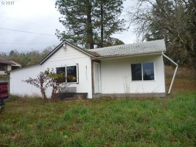 Sutherlin Single Family Home For Sale: 538 Oak Ter
