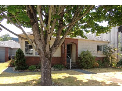 Multi Family Home For Sale: 217 N Molalla Ave