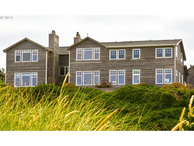 Bandon Single Family Home For Sale: 2866 Beach Loop Dr