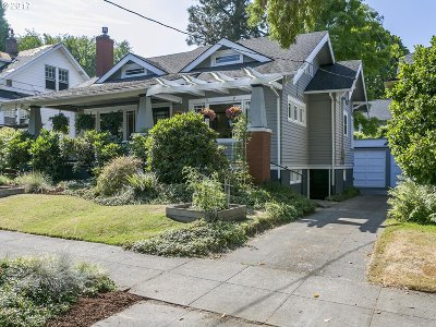 Single Family Home For Sale: 3214 NE Oregon St